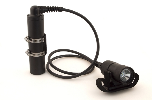 750-lumen-300-minute-side-mounted-led-dive-light.jpg