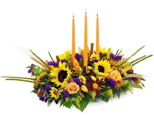 Deluxe Centerpiece with 3 long taper candles