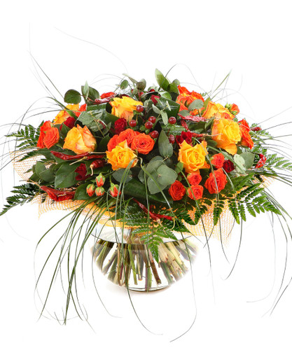 Deluxe Autumn Surprise - Roses Berries and fresh greens in Bouquet