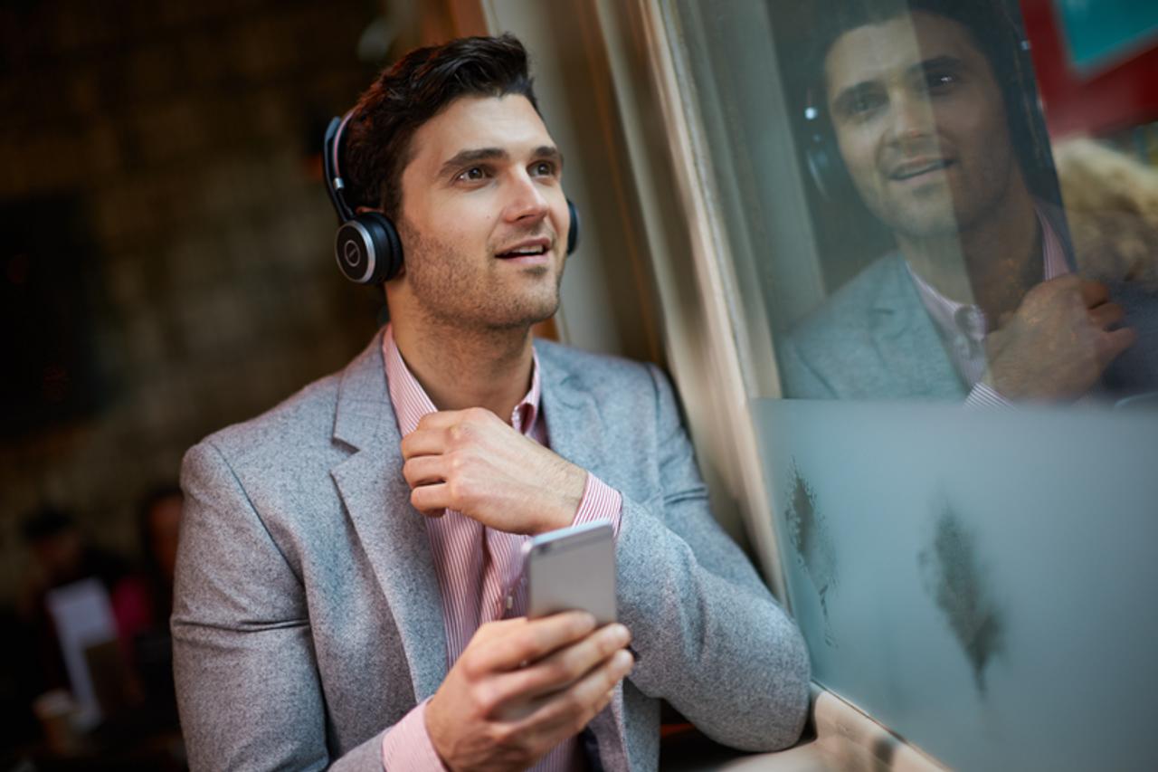 Jabra Evolve 65 Bluetooth Stereo Headset Bundle Ms Version Bonus Mic Cushions Usb Dongle Charging Stand Compatible With Skype Lync Softphones Smartphones Pc Mac 6599 823 399 B