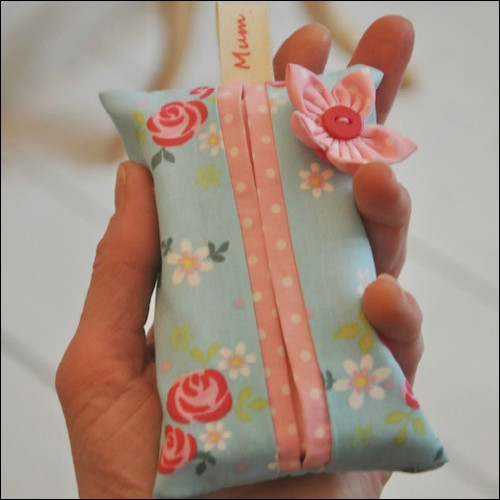 Mothers Day Gift Tutorial - Handbag Size Tissue Holder