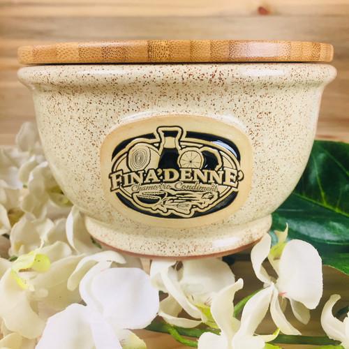 Kusina Finadenne  Bowl in Oatmeal Blackfill w/Cover 18 oz - Guam and CNMI Kitchenware