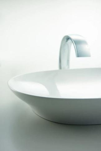 "TOTO Kiwami Renesse 23-5/8"" Oval Ceramic Vessel Bathroom Sink"
