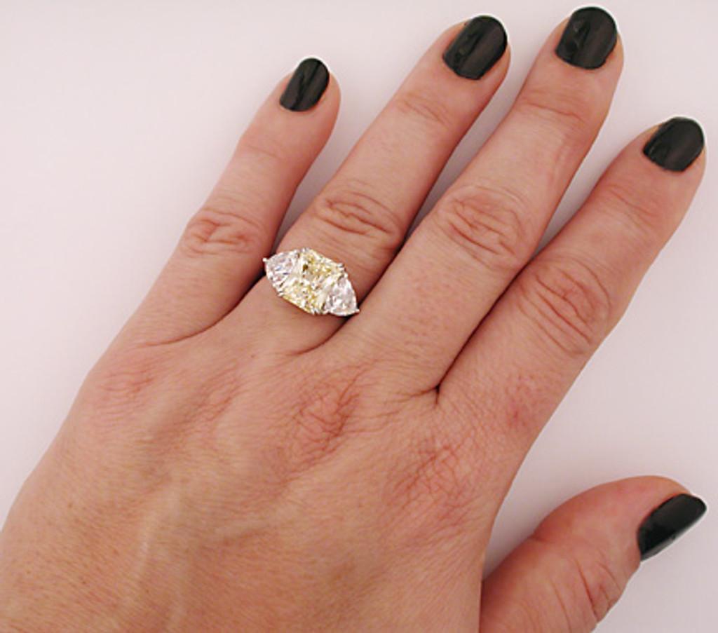Extraordinary Cubic Zirconia Ring