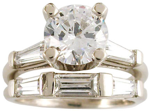 14Kt White Gold 1.50Ct Round Baguette Solitaire
