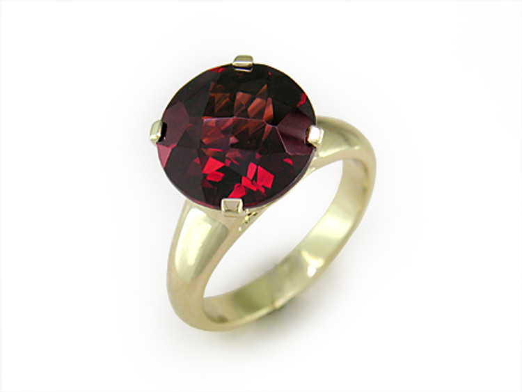 Ruth Taubman 18K Yellow Gold Garnet Ring