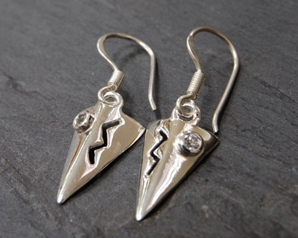 TITANIC Sterling Silver Earrings with Cubic Zircon and Designer Bow Gash view.