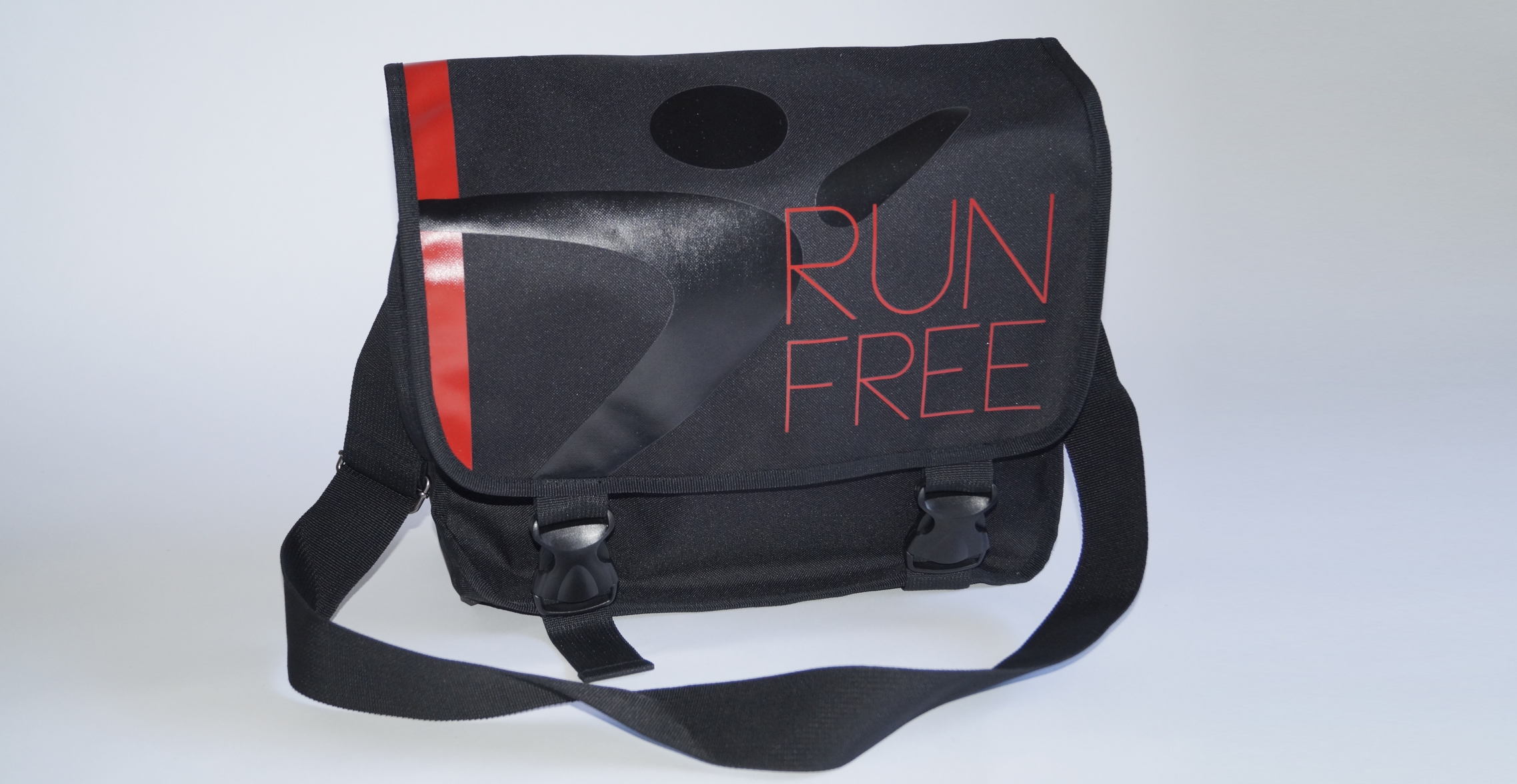 run-free-laptop-bag-3.jpg