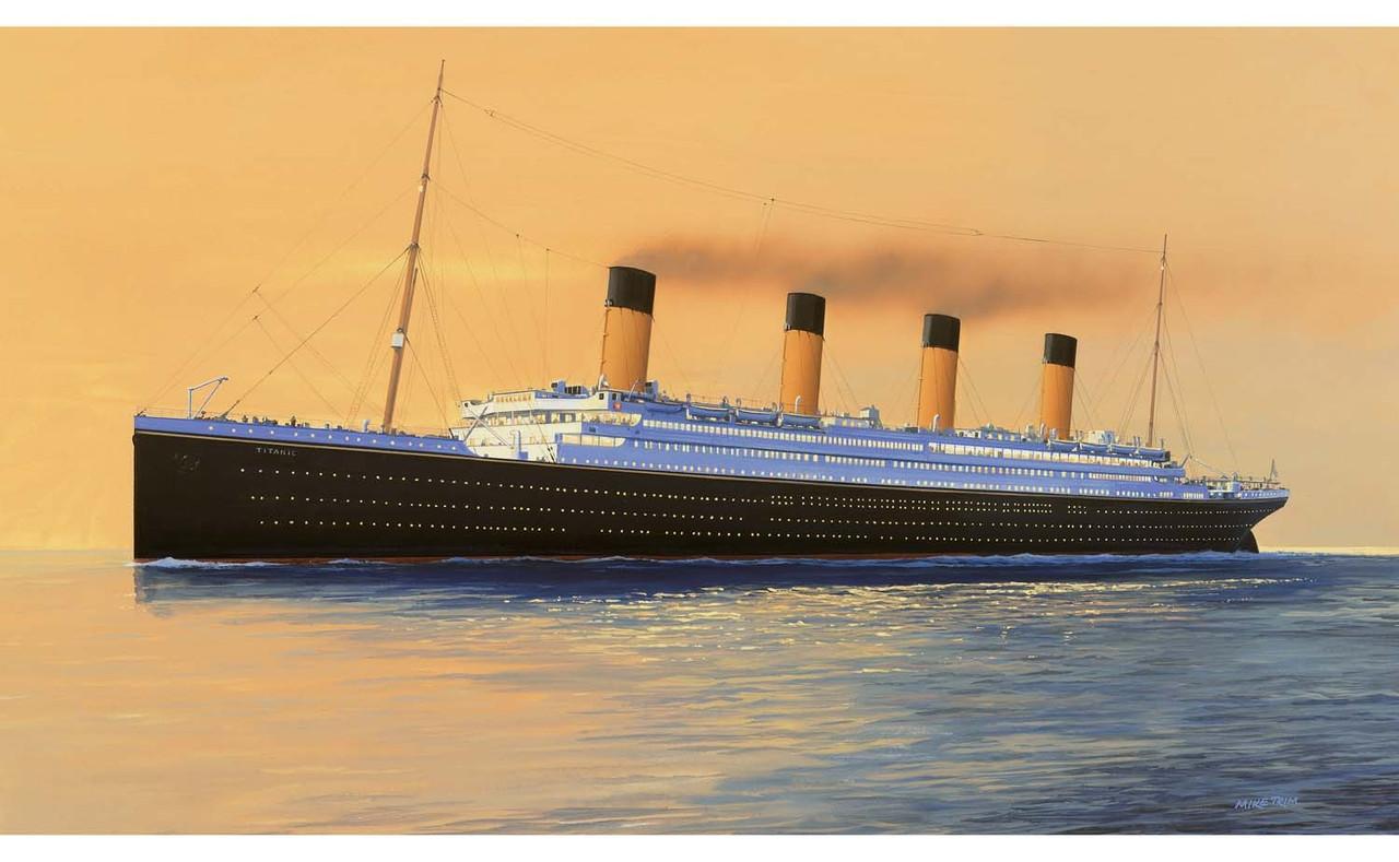 Airfix A50164 RMS Titanic Gift Set 1:700 Scale Model Kit