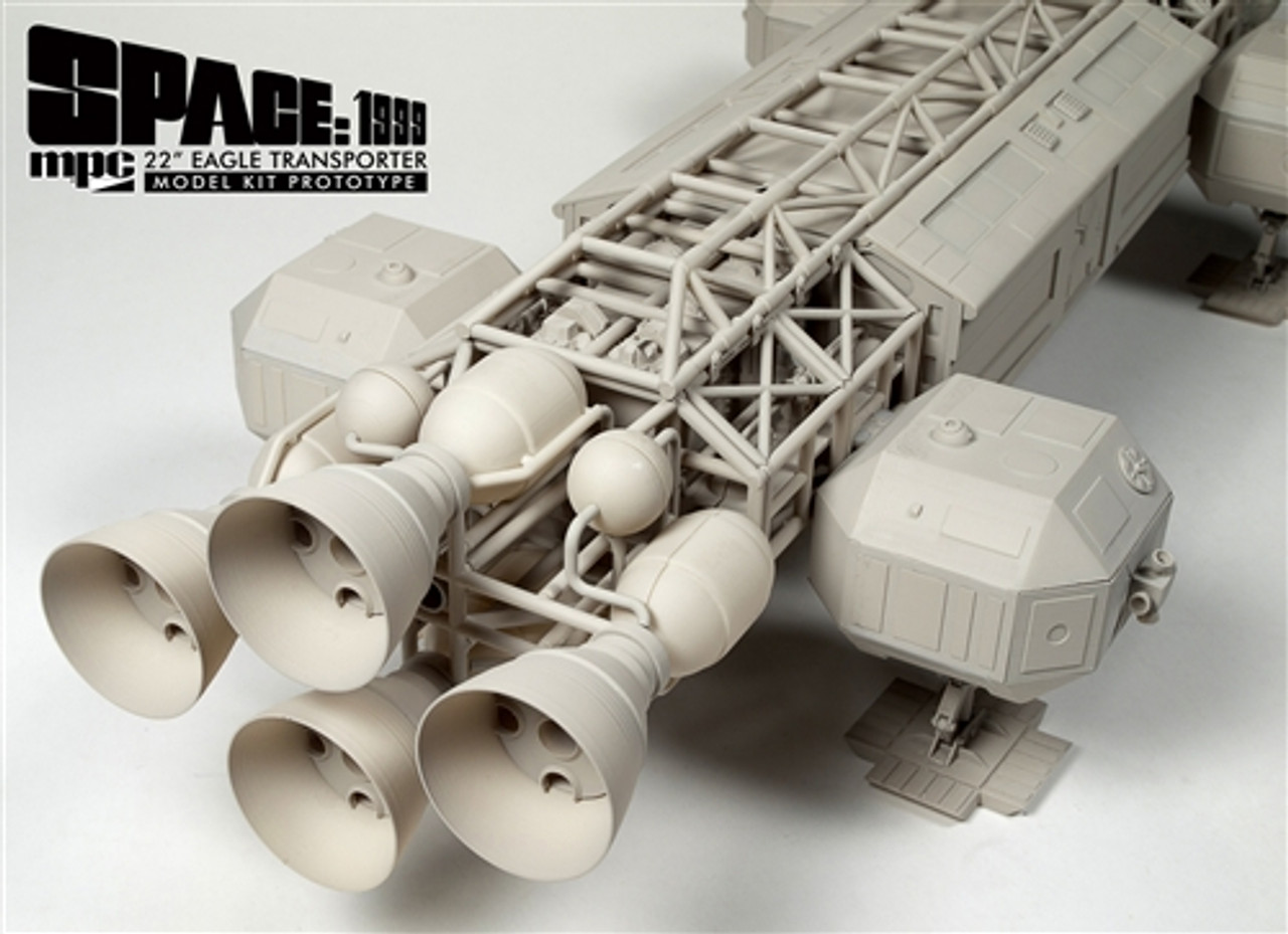 MPC 825/06 1:48 Space 1999 Eagle Transporter