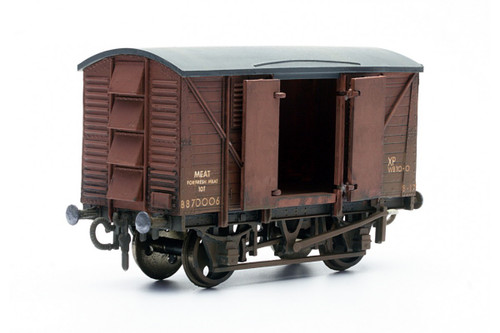 Dapol C041 Meat Van  Model Railway Accessories