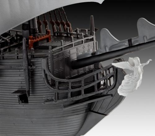 Revell 05499 1:150 Pirates of the Caribbean Salazar's Revenge Black Pearl