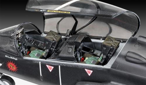 Revell 03852 1:32 BAe Hawk T2