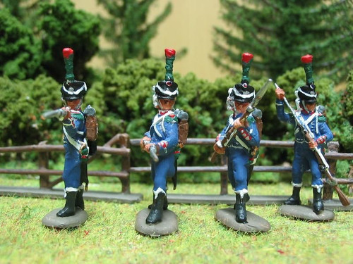 HaT 28016 Napoleonic French Light Infantry Chasseurs (action) 28mm figures