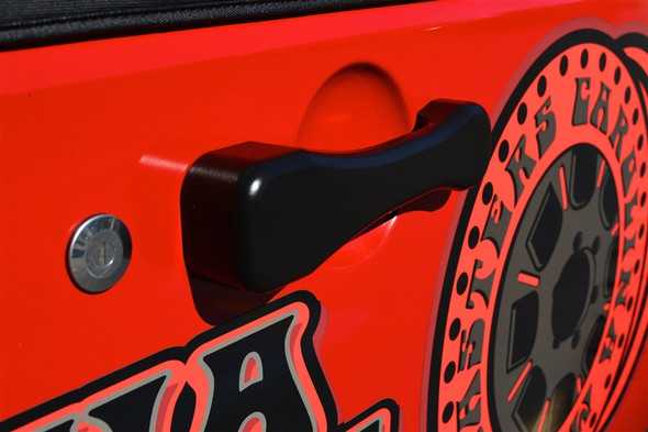 Product is designed to fit the Jeep JK /JKU (2007 - 2018)The door handle's main body is made from 6061 aluminum and includes the internal components. The paddle is made from 7075 aluminumSilicon Bronze Paddle Pivot Bushings & guidesHandles are sold in sets for either a 2 door JK (3 handles including tailgate) or 4 door JK (5 handles including tailgate).All Internal Mechanism Components are sealed and weather resistant (i.e. snow, ice, salt, mud)Items are powder coated blackThis is a bolt on product. No modifications needed.All hardware is stainless and includedAverage turn around is 3 to 4 weeks for this product.