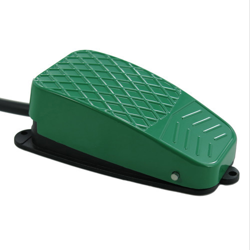 X-keys USB 3 Switch Interface with Green Foot Switch