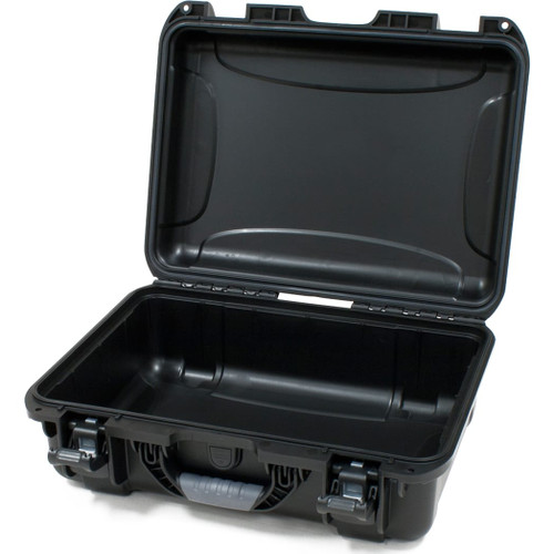 "Gator cases GU-1813-06-WPNF Black waterproof injection molded case with interior dimensions of 18"" x 13"" x 6.9"". NO FOAM, main"