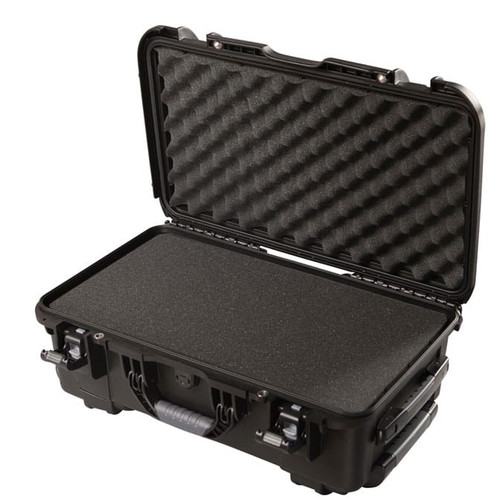 "Gator cases GU-2011-07-WPDF Black waterproof injection molded case with pullout handle and inline wheels. Interior dimensions of 20.5"" x 11.3"" x 7.5"" . DICED FOAM, main"