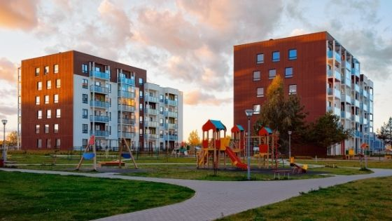Ways To Improve an Apartment Complex's Curb Appeal