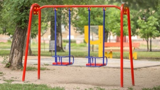 The Different Materials To Place Underneath a Swing Set