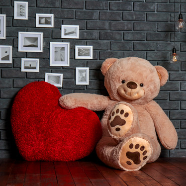 World's Biggest Teddy Bear! 7 Foot Teddy & Hugs With an Enormous 4 Foot Heart!