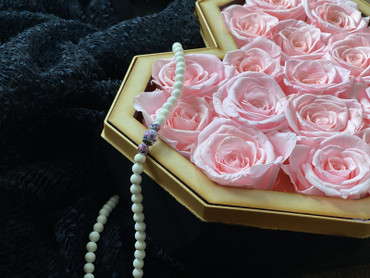 Pink Preserved Roses Glamorous Valentines Gift Box Diamond Heart Close Up