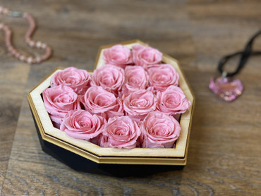 Preserved Pink Roses Valentine's Day Luxury Heart Box