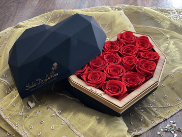 Preserved Red Roses Valentine's Day Luxury Heart Box