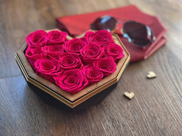 Hot Pink Luxury Preserved Roses in Black Diamond Heart Box