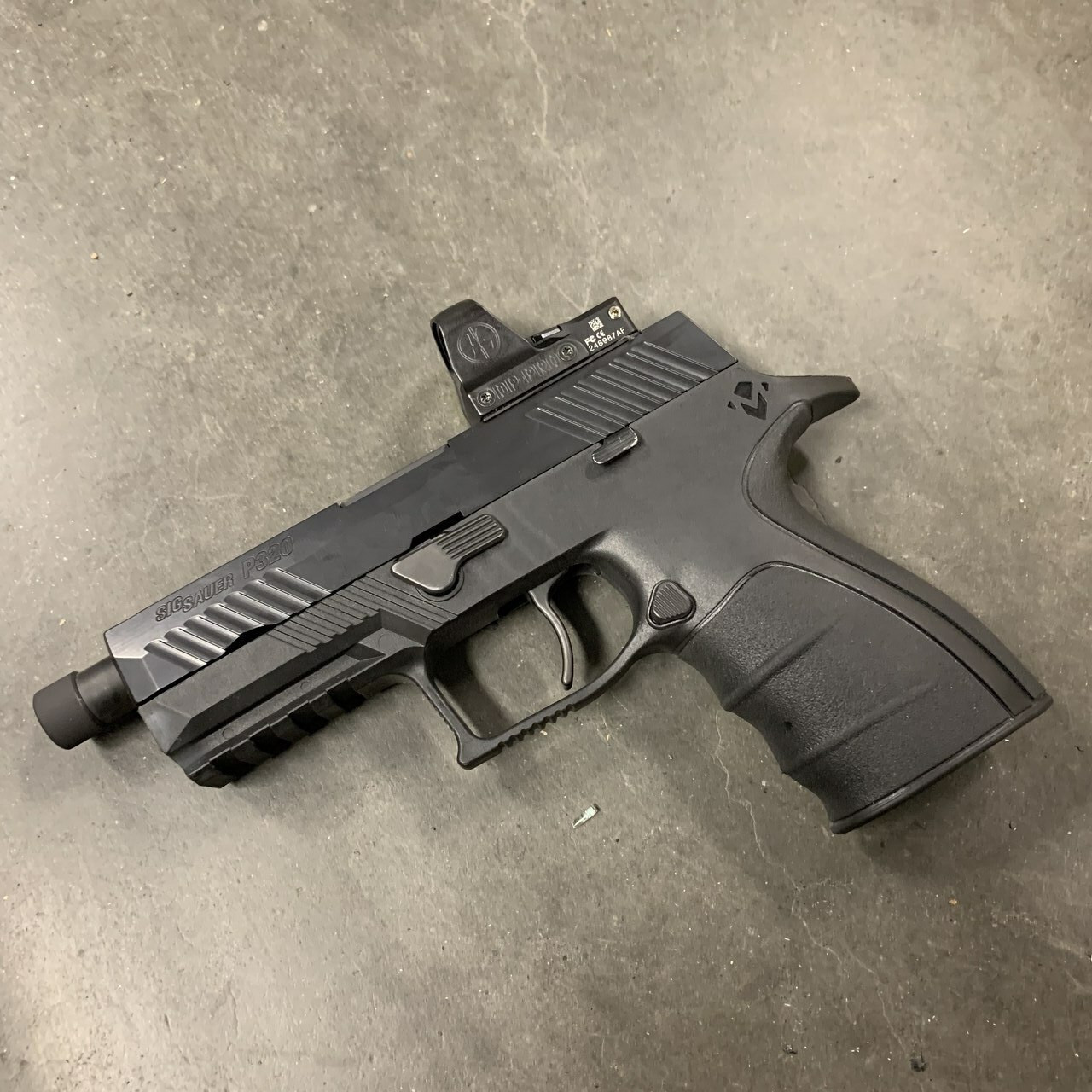 P320 Leupold Deltapoint Pro Milling