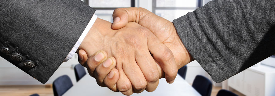 Powerful Signal partners handshake