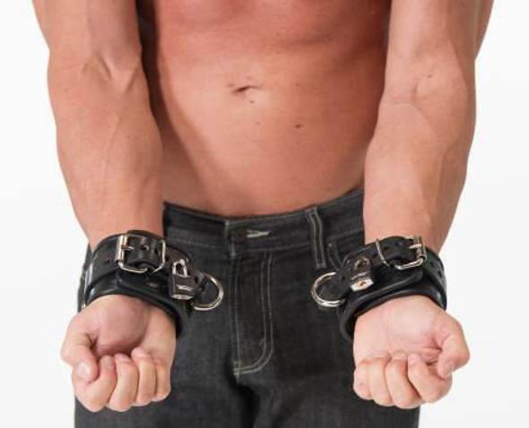 665 Padded Locking Leather Wrist Cuffs - Black