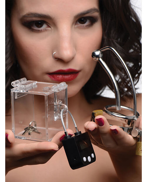 """""""The Key Holder"""" Deluxe Clear Case With Lock"""