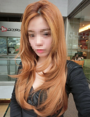 LIGHT GOLD BROWN HALF WIG FOR LIGHT COLOURED HAIR.