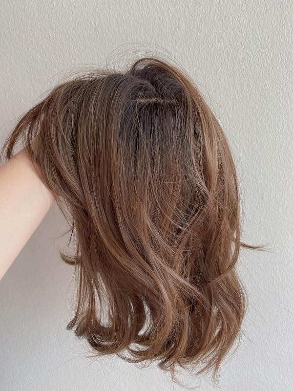 #220 honey brown black roots wig