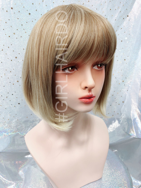 P7809 Brownish Blonde Bob