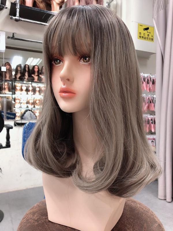 new soft curls shoulder length silver wig