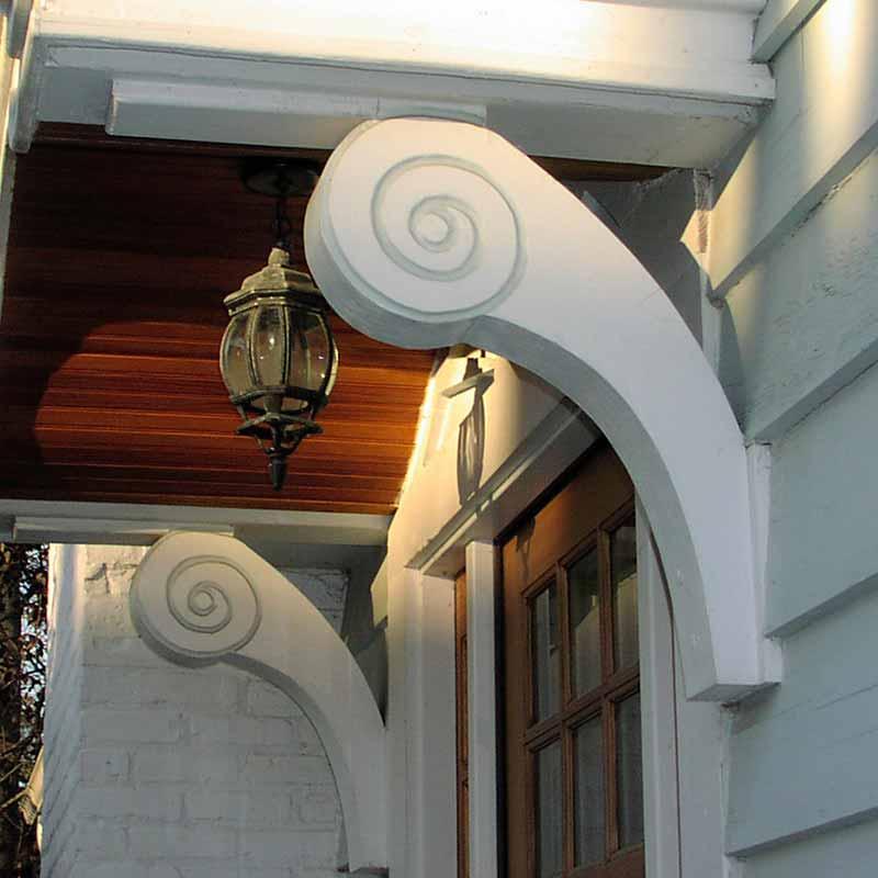 custom-brace-for-front-porch.jpg