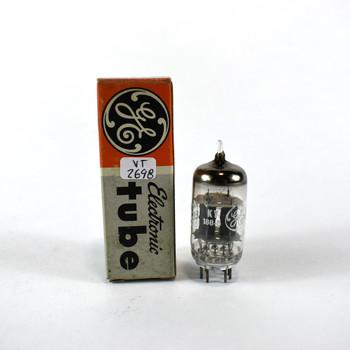 GE USA 12AX7/ECC83 Grey Plate Top O Get Vacuum Tube 86/82%