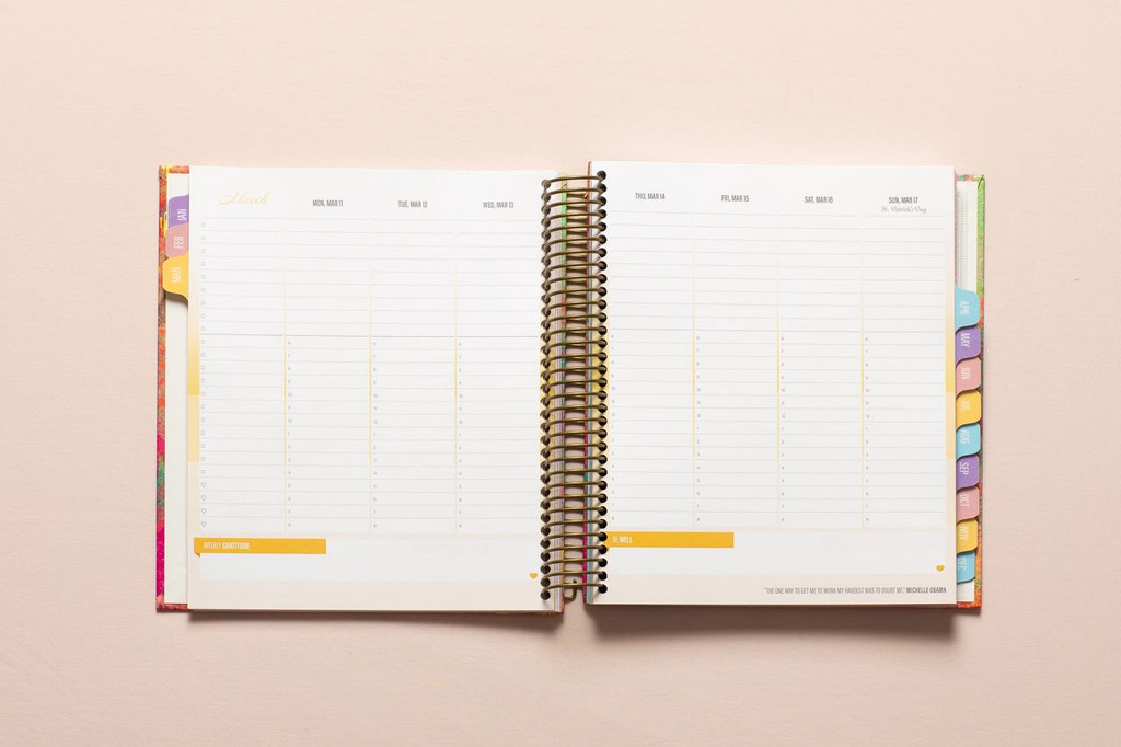 2019 weekly planner spread - color rotation throughout the year