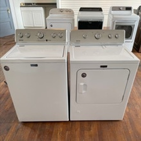 Maytag White Washer and Gas Dryer Set - NI4