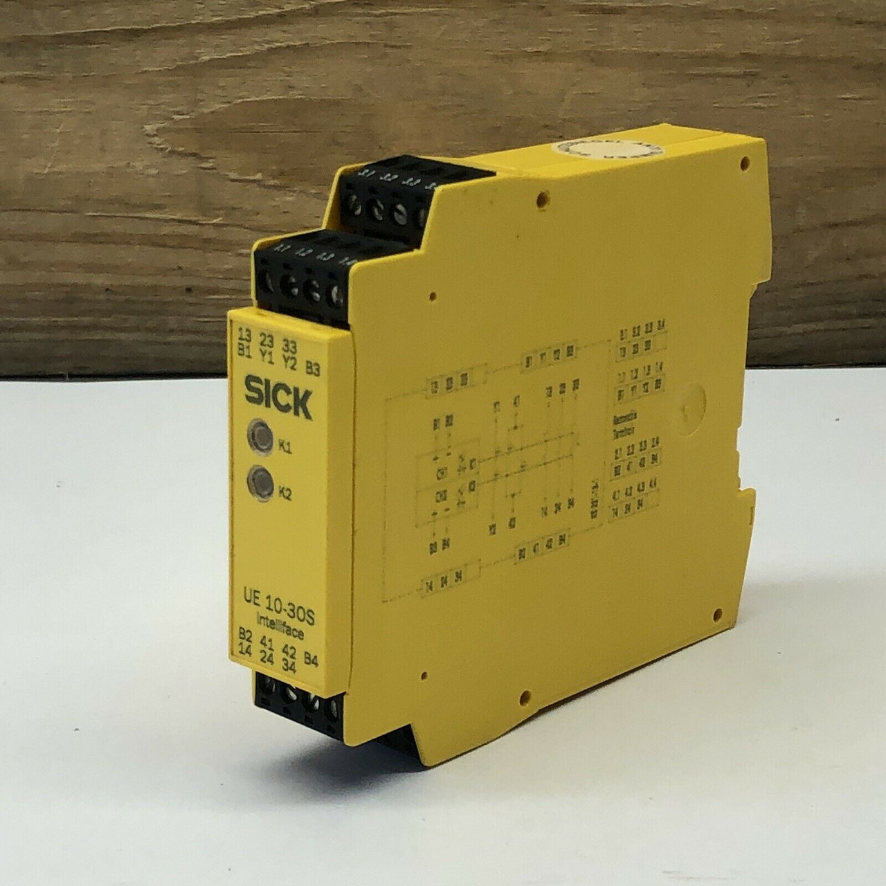 Type UE 10-30S3D0 Safety Extension Relay 6024918 Sick