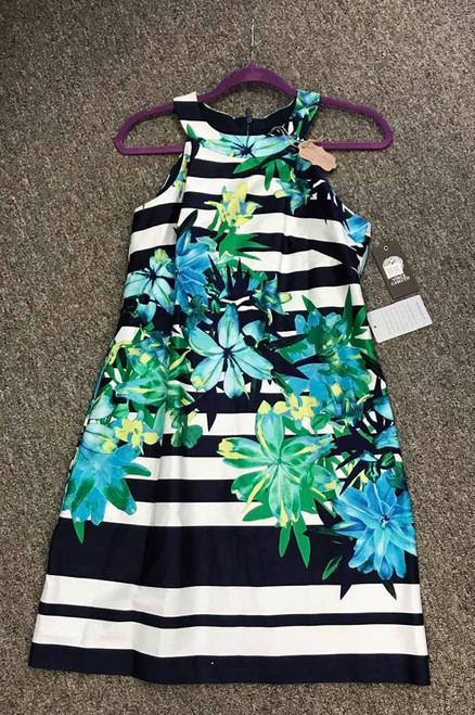 Lovely Vince Camuto Sleeveless Dress