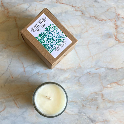 Day Spa Natural soy wax candle, blend of eucalyptus, spearmint and lavender essential oils, hand poured in small batches. An artisan soy wax candle of the highest quality.