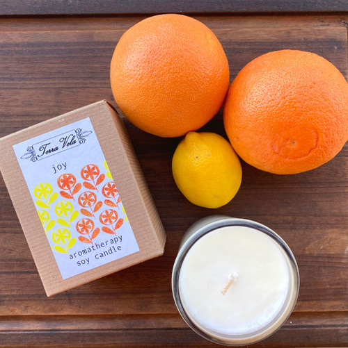 Natural soy wax candle, hand poured in small batches. An artisan soy wax candle of the highest quality. This cheery combination of lemongrass and sweet orange essential oils are known to help promote an uplifted spirit and a positive outlook