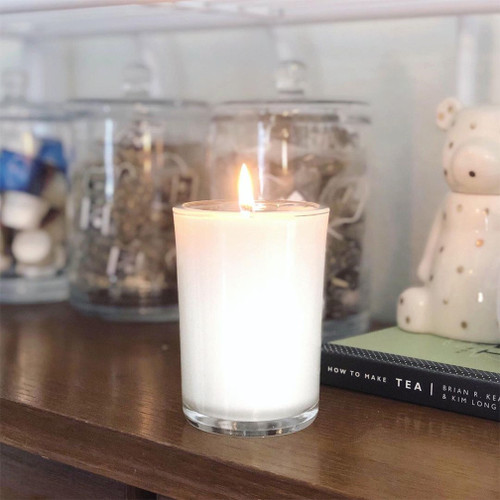 Lilac Soy Candle Natural soy wax candle, hand poured in small batches. An artisan soy wax candle of the highest quality.