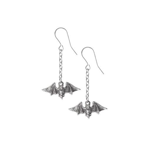 E429 - Kiss the Night Earrings