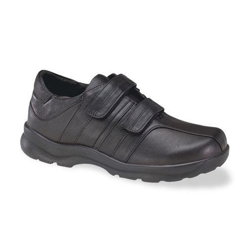 Apex Men's Ariya Double Strap shoe qualifies for A5500.
