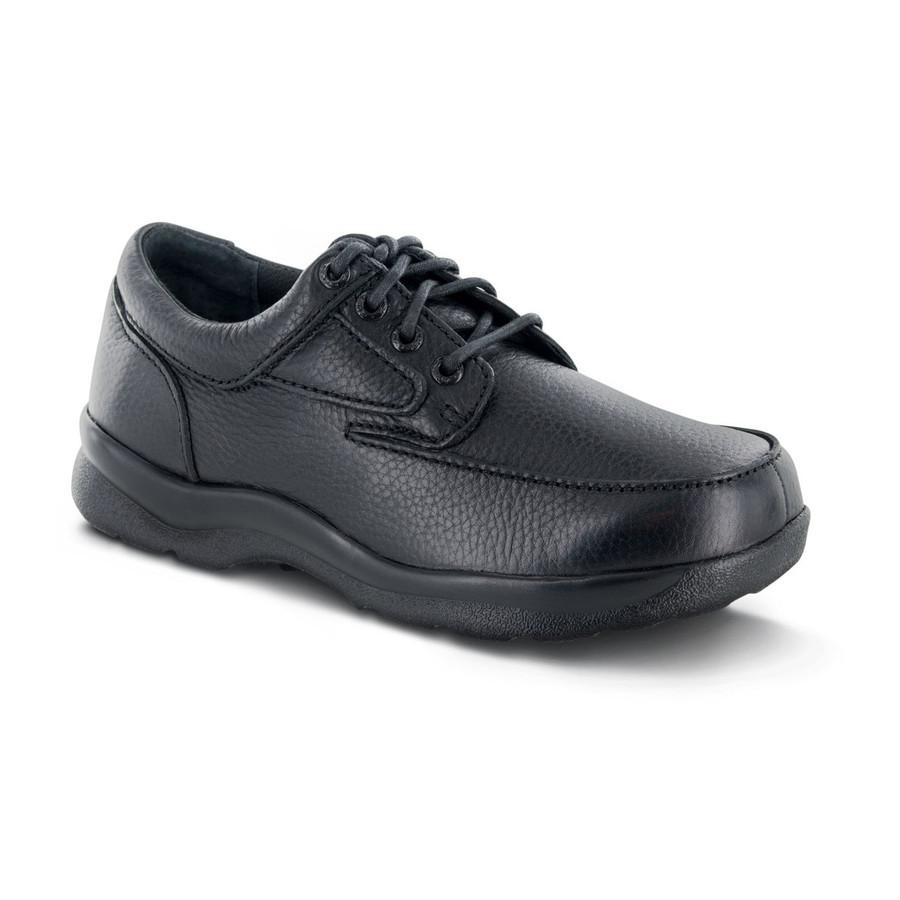 Apex Men's Ariya Moc Toe shoe qualifies for A5500.