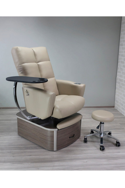 space savvy pedicure chair Impact with plumbing by Belava